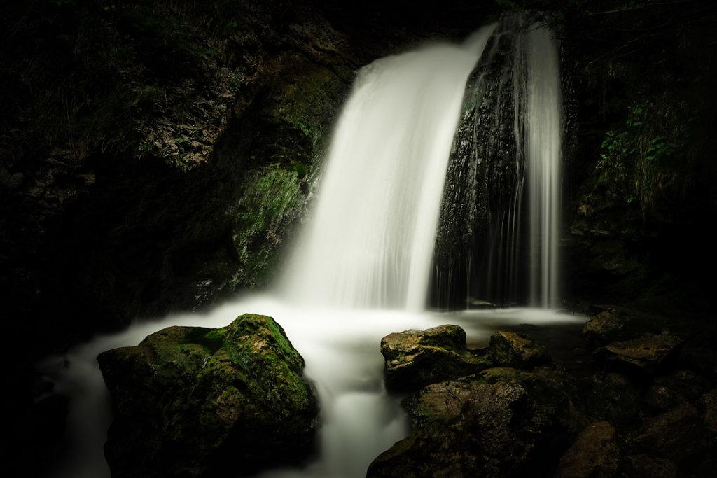 hans-kogler-dark-water-wasserfall.jpg